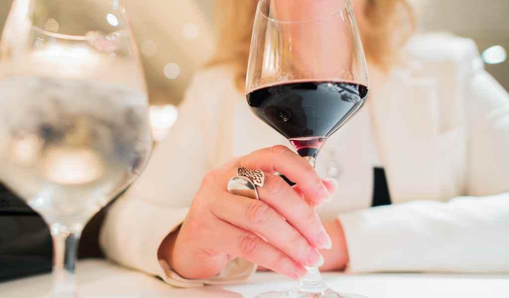 Лечение женского алкоголизма в Ильинском Погосте анонимно